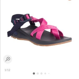 BRAND NEW Women's Chaco Z/Cloud 2 Size 7